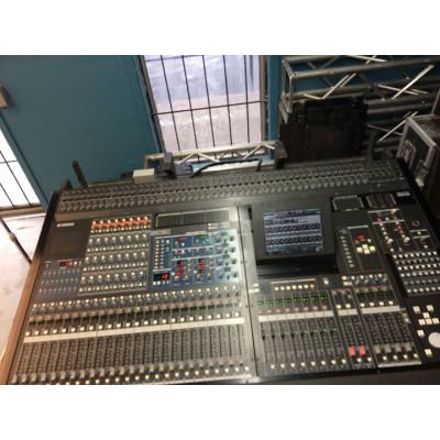 Console de son Yamaha PM5D